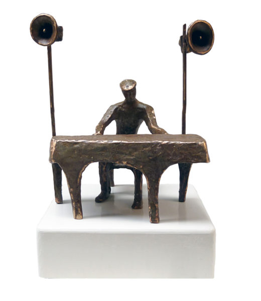 The Musician 15 x 14 x 10 inches Metal Bronze